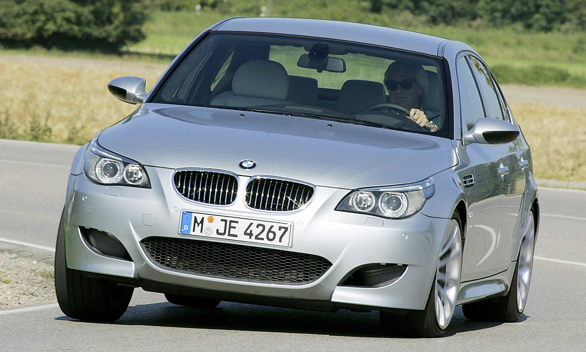 Bmw M5 E60 V10 Motor Technische Daten Kombi Autozeitung De
