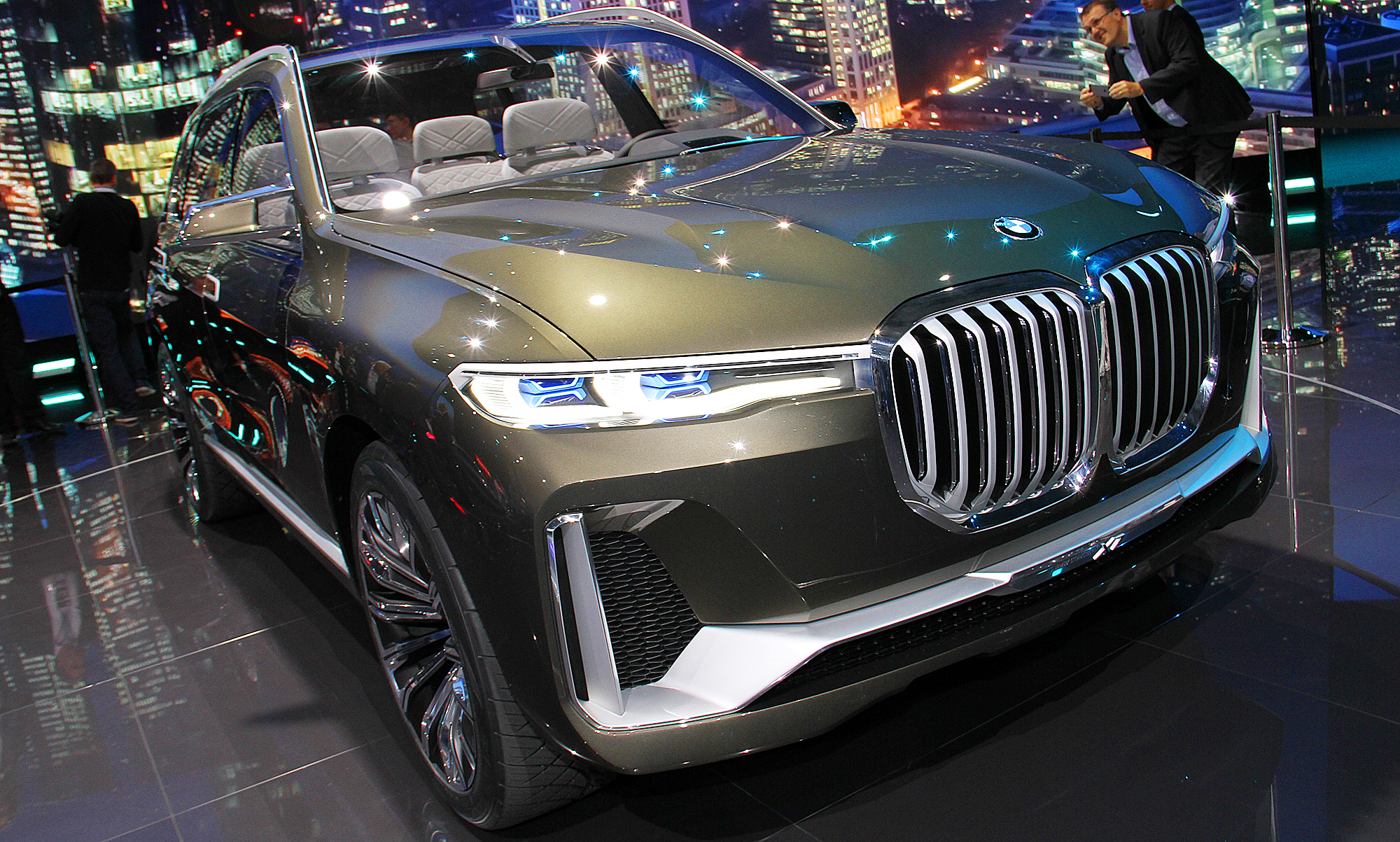 bmw x7 2018 fotos vom iperformance concept g07. Black Bedroom Furniture Sets. Home Design Ideas
