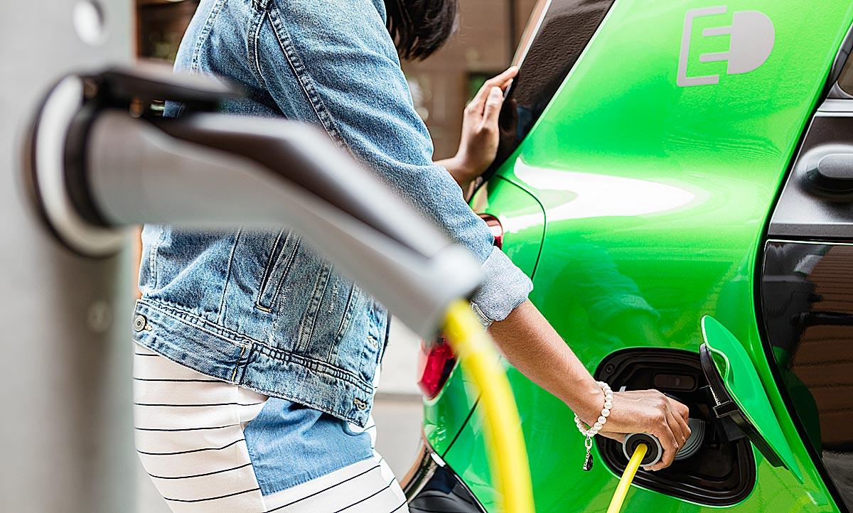 E-Auto laden: E-Ladesäulen im Test/welche Kabel? | autozeitung.de