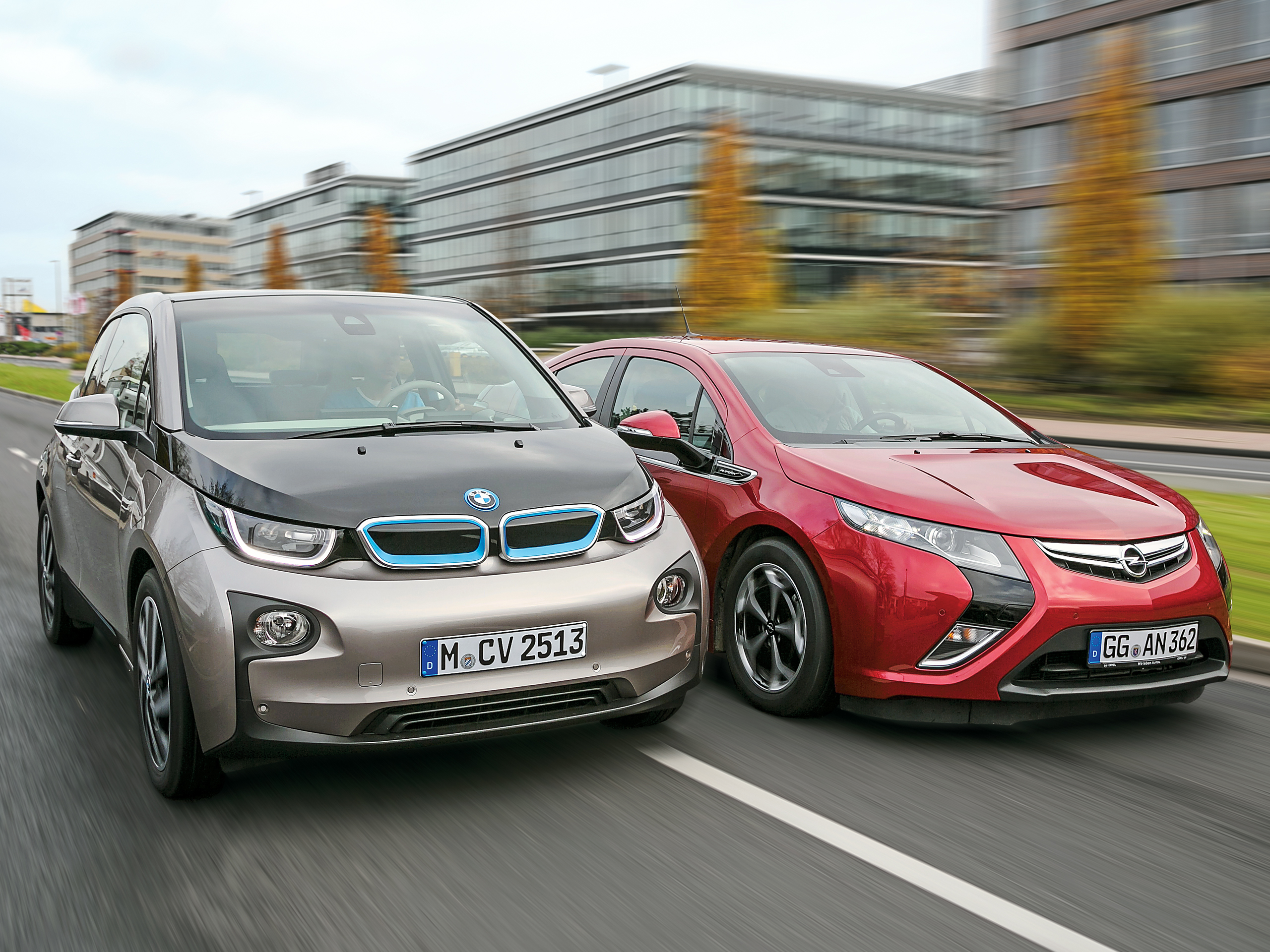 bmw i3 vs opel ampera vergleichstest der elektroautos. Black Bedroom Furniture Sets. Home Design Ideas
