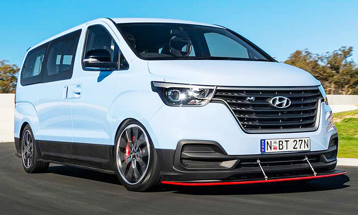 Platz für acht und V6-Power im Drift-Bus von Hyundai