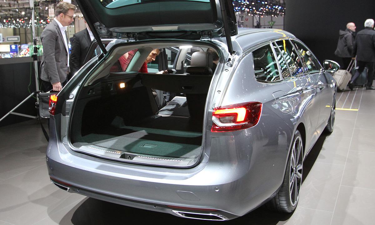 Opel Insignia Sports Tourer 2017 Motor Ausstattung