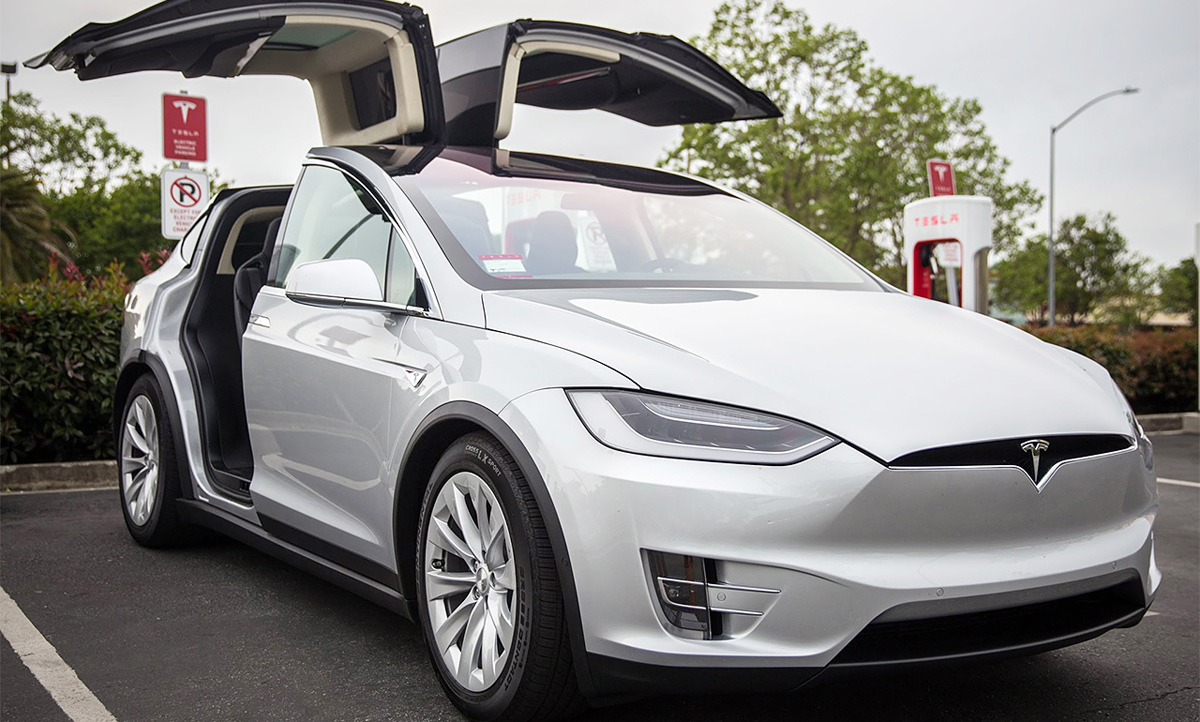 tesla model x 2016 preis motoren. Black Bedroom Furniture Sets. Home Design Ideas