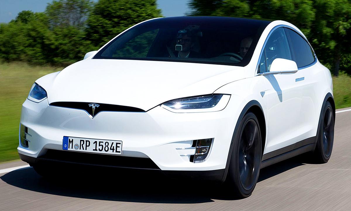 Mercedes Benz Las Vegas >> Neues Tesla Model X (2016): Erste Testfahrt | autozeitung.de