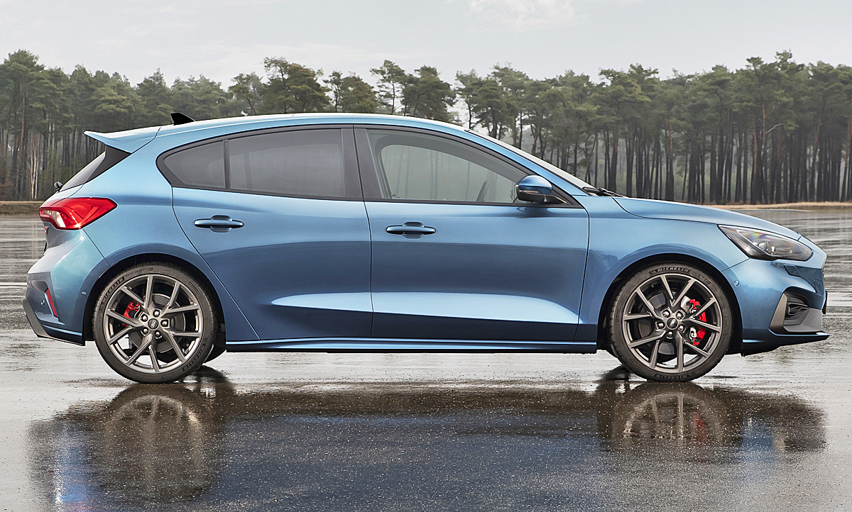 Ford Focus St Limousine 2019 - Ford Focus Review