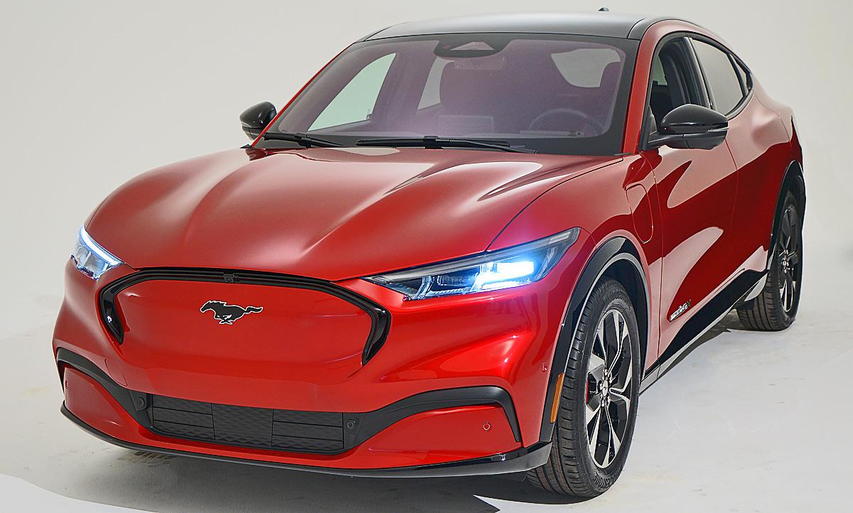 2020 Mustang Mach Wallpaper