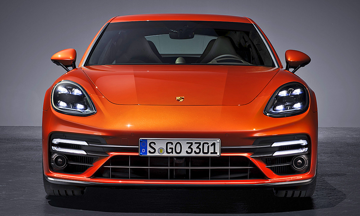 2020 The Porsche Panamera Reviews