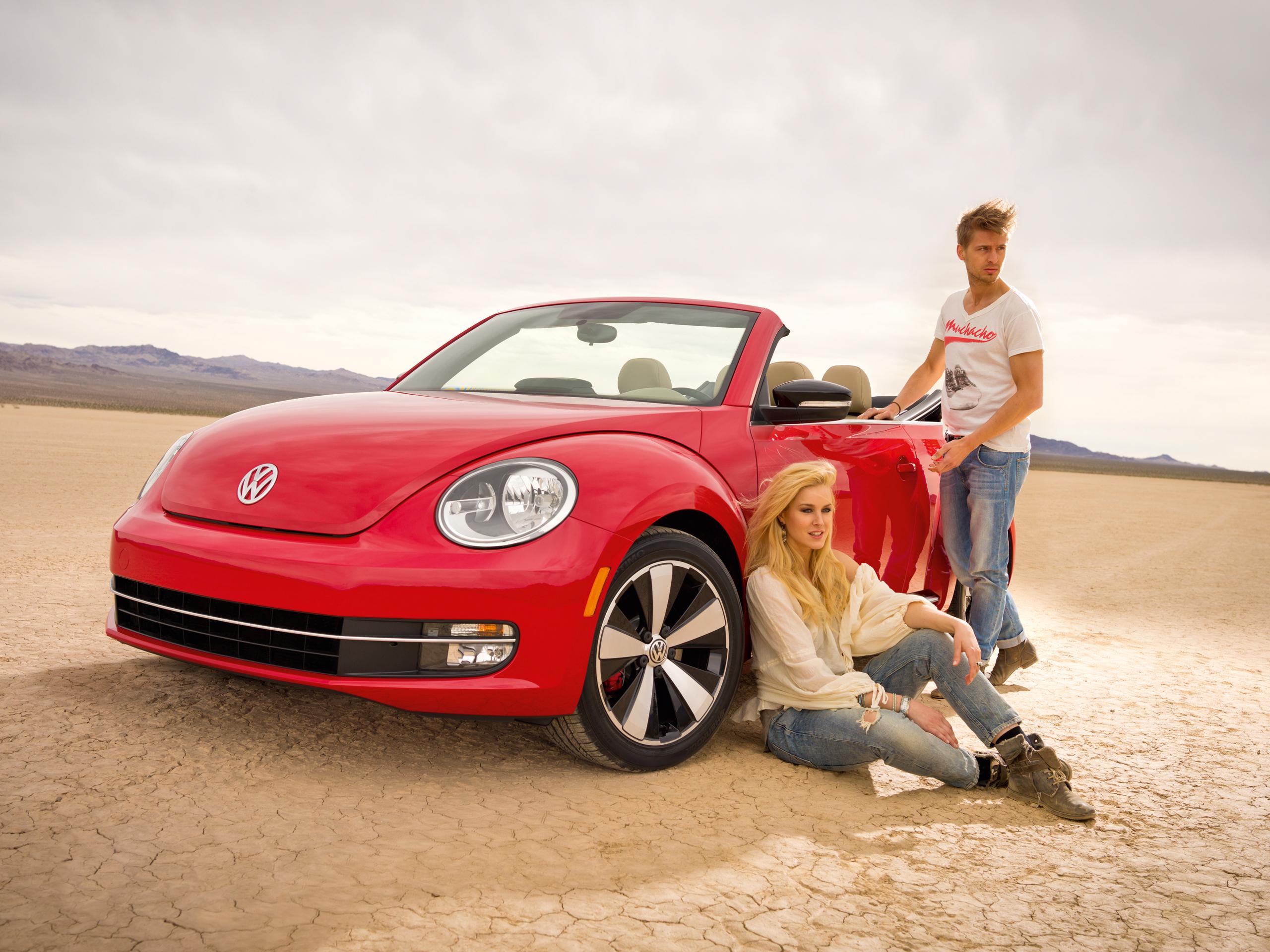 vw beetle cabriolet 2013 preis l a auto show 2012. Black Bedroom Furniture Sets. Home Design Ideas