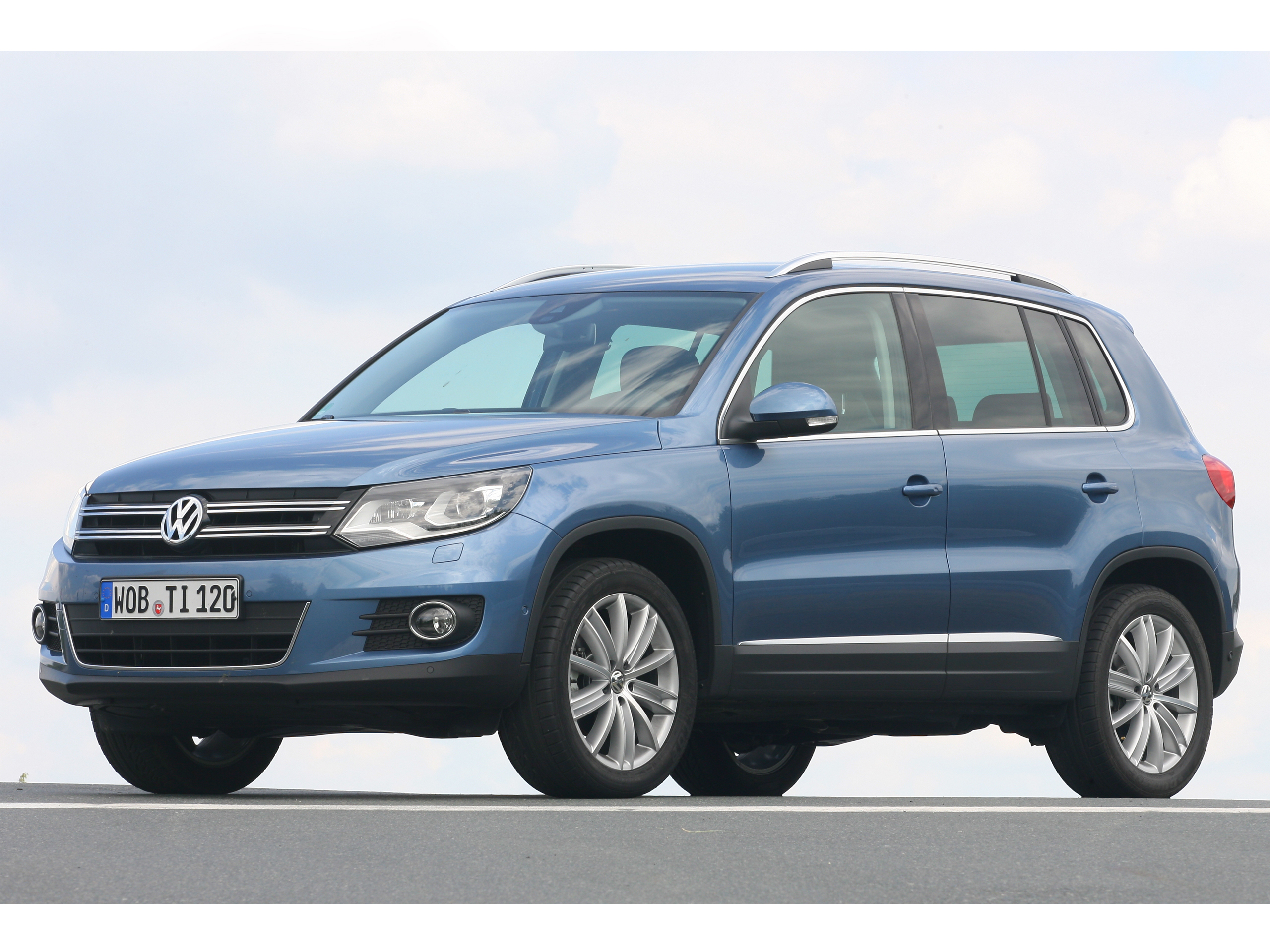 suv vergleich 2012 vw tiguan 2 0 tdi und skoda yeti 2 0. Black Bedroom Furniture Sets. Home Design Ideas