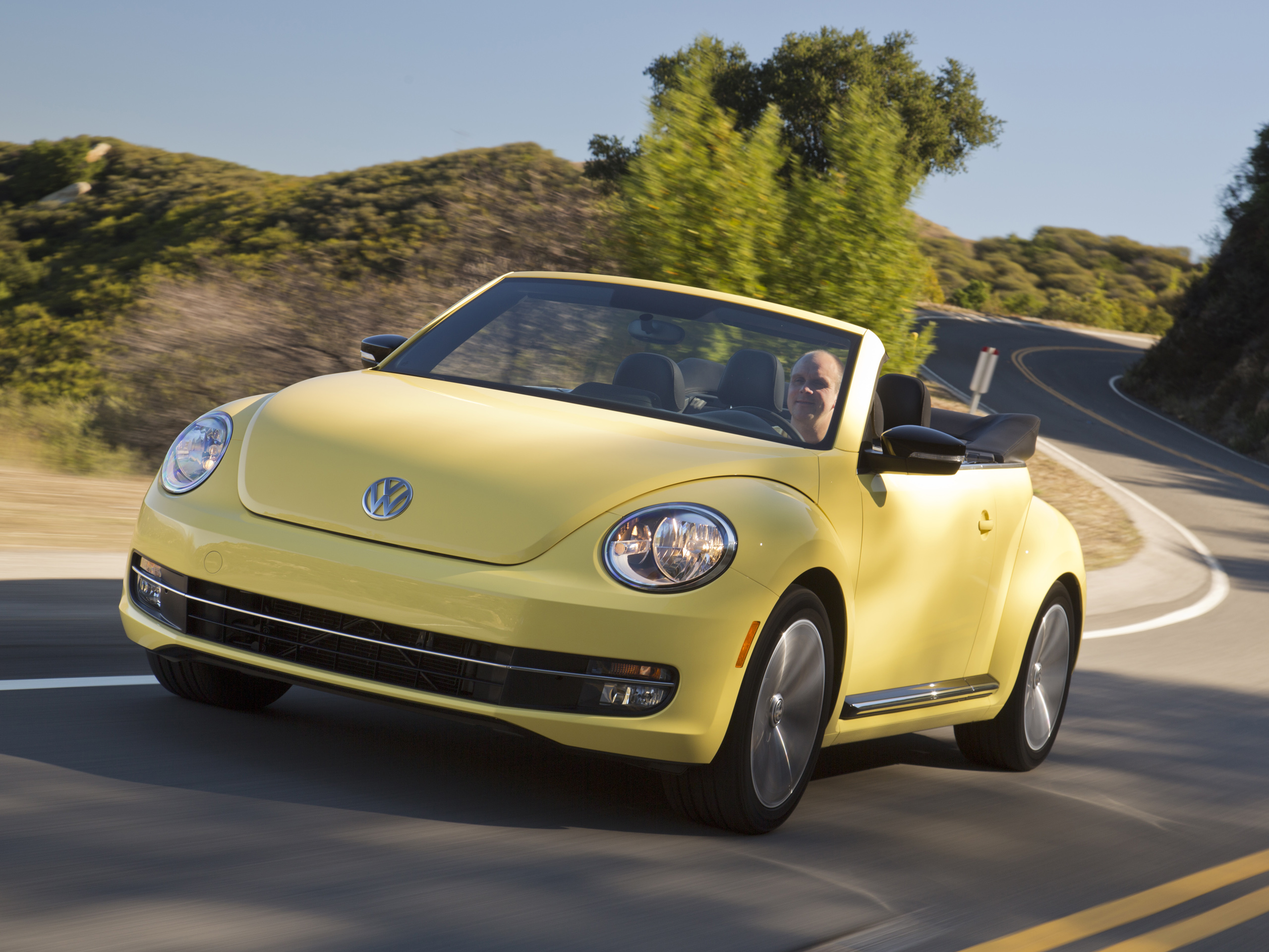 fahrbericht vw beetle cabrio 2 0 tsi. Black Bedroom Furniture Sets. Home Design Ideas