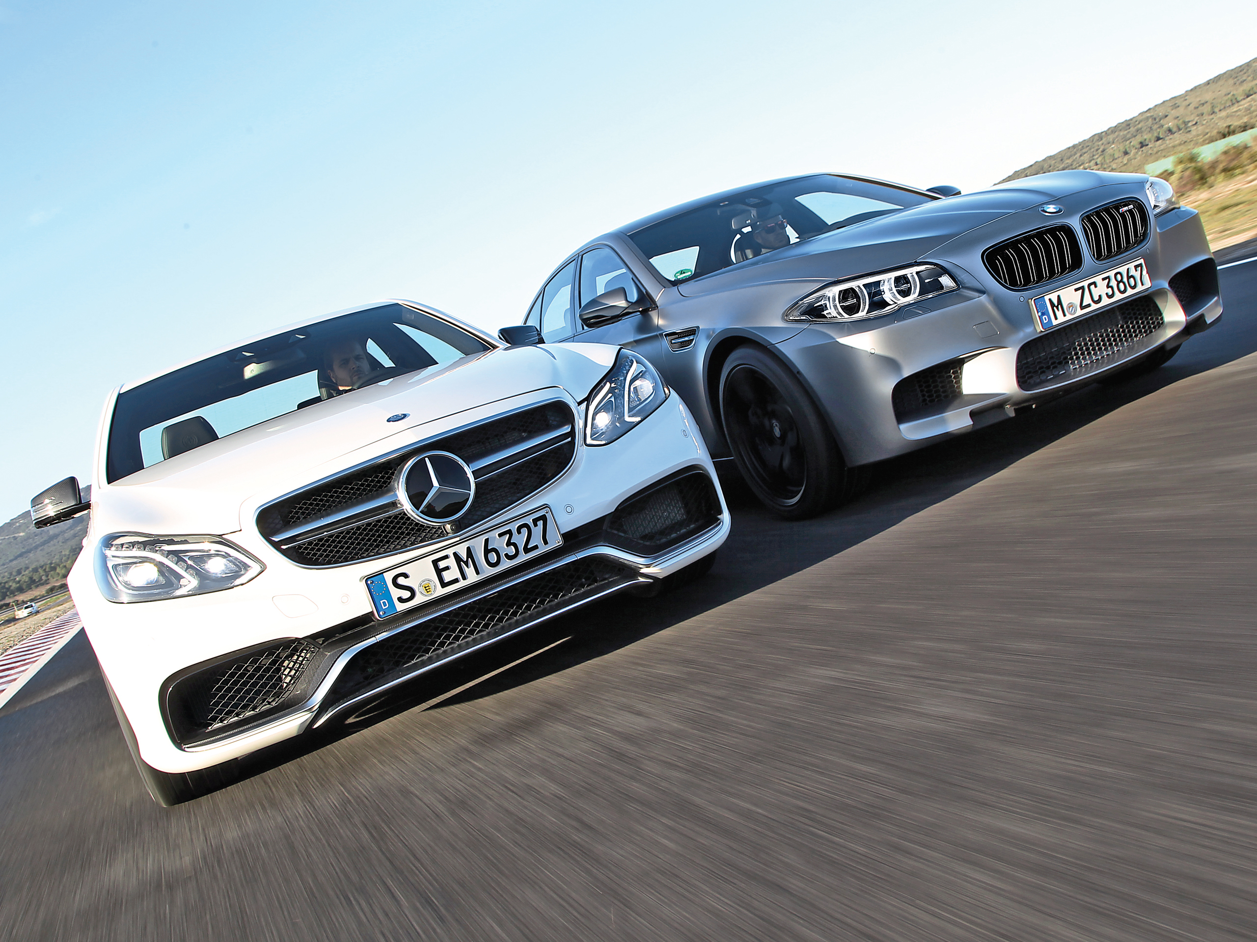 Mercedes E 63 AMG S BMW M5 Test