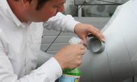 Felgenreiniger-Test: Test an einer Kunststoffoberfläche