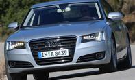 Audi A8 4.2 TDI quattro - Riesiger Singleframe-Grill und Voll-LED-Scheinwerfer mit Tagfahrlicht-Streifen