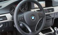 Cockpit des BMW 320d