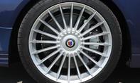 Reifen des BMW Alpina B5 Biturbo Touring  mit 20-Speichen-Design