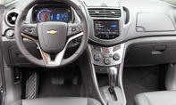 Bilder Chevrolet Trax 1.6 2013 Kompakt SUV Cockpit
