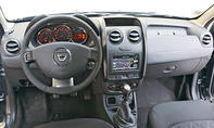 Bilder Dacia Duster TCe 125 4x2 2013 Fahrbericht Innenraum