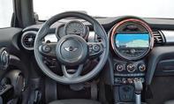 Mini Cooper S Fahrbericht Bilder technische Daten Cockpit
