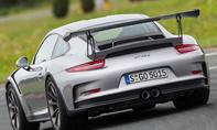 Porsche 911 silber Heckansicht