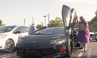 Zwei Omas fahren Lamborghini Murciélago Liberty Walk