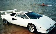 Lamborghini Countach als Amphibienfahrzeug