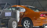 Dodge Charger im IIHS-Crashtest