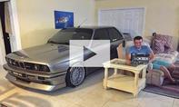 BMW M3 (E30) im Haus geparkt: Video