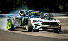 Ford Mustang driftet über Nürburgring