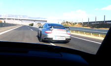 Lada gegen Porsche 911 GT2 RS
