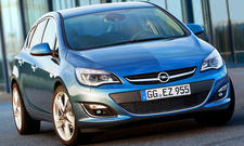 Opel Astra Facelift (2012)