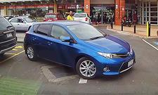 Einpark-Fail mit Toyota Corolla