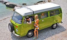 VW Bus T2b Camper: Classic Cars