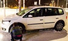 VW Touran 2015 Erlkoenig Van Pariser Autosalon 2014
