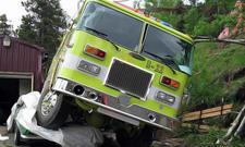 Pontiac Firebird 1969 Pony-Car Feuerwehr-Truck plattgemacht Zerstörung