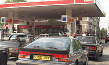 Tankstellen: Reifenluft gegen Geld