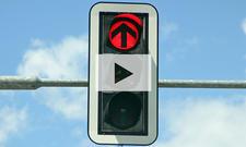 Über rote Ampel fahren: Video