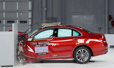 Mercedes C-Klasse: IIHS Crashtest