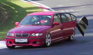 BMW E46 verliert Tür auf Nordschleife