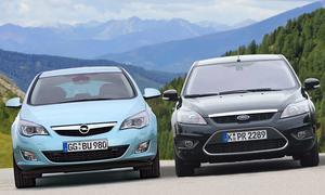 Vergleich in der Kompaktklasse: Opel Astra gegen Ford Focus