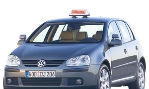 Top 10 Fahrschulautos: Der VW Golf V ist zur Zeit das verbreiteste Fahrschulauto