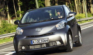 Im Test der AUTO ZEITUNG: Toyota iQ 1.33 mit Start-Stopp-Automatik