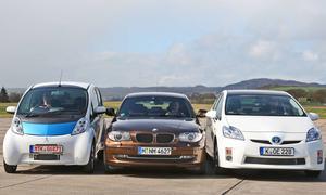 Kosten-Nutzen-Vergleich: Das neue Elektroauto Mitsubishi i-MiEV, BMW 116d und der aktuelle Toyota Prius im Test
