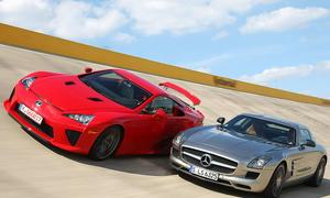 Tracktest Supersportwagen: Mercedes SLS AMG gegen Lexus LFA