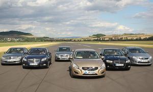 Audi A4, BMW 325i, Ford Mondeo, Mercedes C 250, Opel Insignia und Volvo S60 im Vergleichstest der Mittelklasse-Limousinen