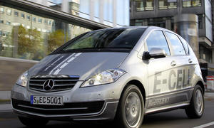 Erste Probefahrt im neuen Mercedes A-Klasse E-Cell