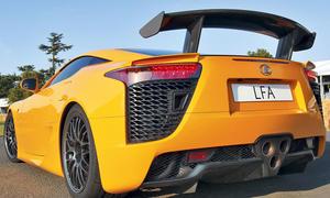 Lexus LFA mit Nürburgring Performance Paket im Fahrbericht der AUTO ZEITUNG