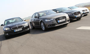 Vier Oberklasse-Limousinen im Vergleich: Audi A6, BMW 5er, Jaguar XF und Lexus GS im Test