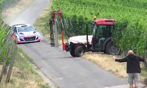 Thierry Neuville mit Beinahe-Crash