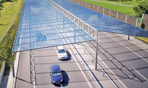 Solardach über der Autobahn