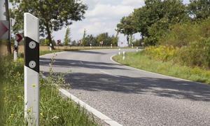 Über Straßenmitte fahren
